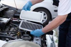 发动机空气过滤器,老和新 免版税库存图片