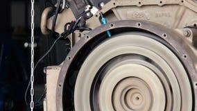 发动机起动 测试柴油引擎的开始 柴油引擎的试航 飞轮轮 飞轮开始轮 股票录像