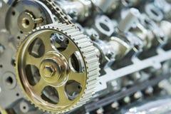 发动机 在前景的齿轮 免版税库存图片