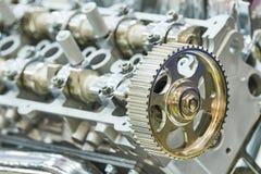 发动机 在前景的齿轮 免版税库存照片