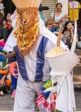 发埃Ta Khon节日的五颜六色的鬼魂面具执行者, Loei,泰国 免版税图库摄影