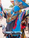 发埃Ta Kon节日的五颜六色的鬼魂面具执行者, Loei,泰国 免版税图库摄影