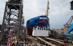 发射了最大的坚硬核破冰船 库存照片