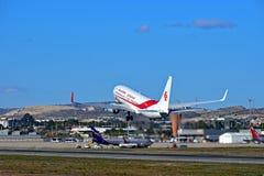 发射从阿利坎特机场的阿尔及利亚航空公司飞机 图库摄影