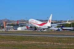 发射从阿利坎特机场的阿尔及利亚航空公司飞机 免版税库存照片