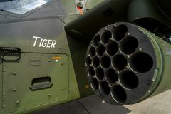 发射攻击用直升机欧洲直升机公司老虎的无向导的火箭的卡式磁带,特写镜头 图库摄影