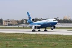 发射跑道的货物DC-10 免版税库存图片