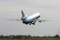 发射跑道的货物DC-10 图库摄影