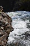 发怒在峡谷的水 免版税库存图片
