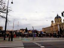 发生在玛丽亚Theresien广场的圣诞节市场 库存图片