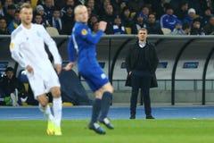 发电机主教练从领域边缘, UEFA欧罗巴16秒腿比赛同盟回合在发电机之间和伊芙的谢尔盖・雷布罗夫手表 库存图片