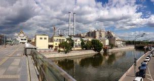 发电站在Bolotnaya堤防的GES-2 Mosenergo在莫斯科 库存图片