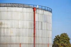 发电站的气体容器 免版税库存图片