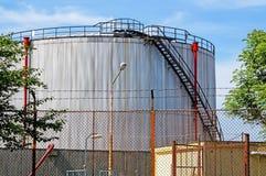 发电站的气体容器 库存照片