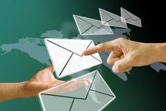 发送电子邮件 免版税库存图片