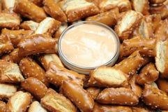 发酵母矿块椒盐脆饼 库存照片