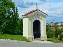 受难象,小山的教堂 库存照片