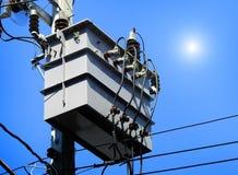 变压器是转移电的电子设备 免版税库存照片