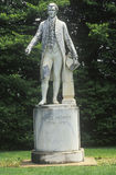 变成灰烬草坪,詹姆斯・门罗总统地面有雕象的,夏洛特维尔,弗吉尼亚 图库摄影