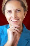 变老的有吸引力的女实业家中间名 免版税图库摄影