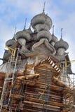 变貌的教会的恢复在基日岛的Kiz的 免版税库存图片