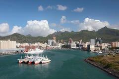 口岸、海湾和城市 路易斯・毛里求斯端口 免版税库存图片