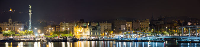 口岸全景在巴塞罗那在夜 图库摄影