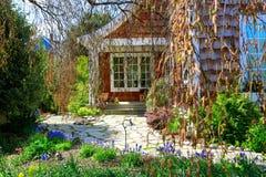口岸唐森, WA - 2014年4月12日:维多利亚女王时代的样式房子外部  口岸Townsend, WA 免版税库存图片