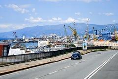口岸在热那亚,意大利 免版税库存图片