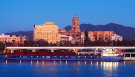 从口岸的马拉加在晚上 西班牙 免版税图库摄影