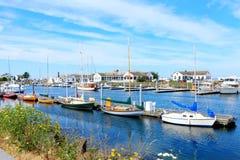 口岸Townsend, WA。 有小船和历史大厦的街市小游艇船坞。 图库摄影