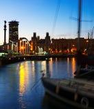 口岸Vell在日落期间的巴塞罗那 卡塔龙尼亚 库存图片