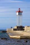 口岸Vendres跳船和灯塔 免版税库存照片