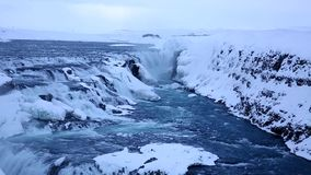 古佛斯瀑布瀑布在沿金黄圈子路线位于的冬天,冰岛 影视素材