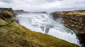 古佛斯瀑布瀑布,金黄圈子游览,冰岛 免版税库存图片