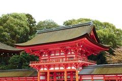 古典在Shimogamo寺庙的寺庙大门代表  库存照片
