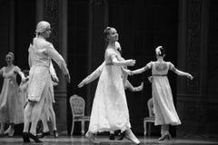 古典法国女孩这芭蕾胡桃钳 库存图片
