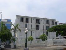 古典白色豪宅在利马Barranco区  图库摄影