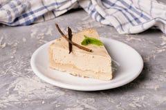古典香草乳酪蛋糕纽约乳酪蛋糕 免版税库存图片