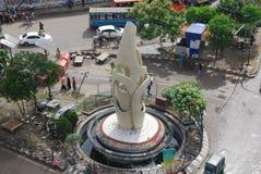 古勒斯坦省是达卡市一条非常拥挤的街在孟加拉国 免版税库存图片