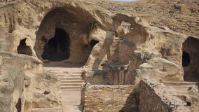 古城Uplistsikhe的风景,在岩石被雕刻 古代人居住的洞 股票录像