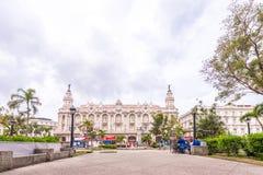 古巴,哈瓦那- 2017年5月5日:哈瓦那盛大剧院的大厦 复制文本的空间 免版税库存照片