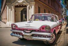 古巴- 2017年5月09日:减速火箭的出租汽车在哈瓦那 库存照片