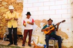 古巴muscians街道特立尼达 图库摄影