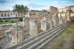 古希腊多立克体阿波罗教堂的废墟在Siracusa 图库摄影