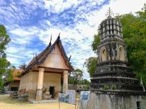 古庙和老塔在泰国 库存照片