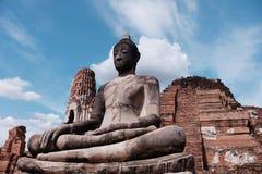 古庙在阿尤特拉利夫雷斯,泰国 免版税库存图片