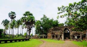 古庙在Kep,柬埔寨 免版税库存图片
