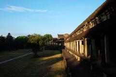 古庙复合体的墙壁的片段在印度支那 古老高棉的建筑学 免版税库存图片
