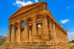 古庙废墟在阿哥里根托,西西里岛 免版税库存图片